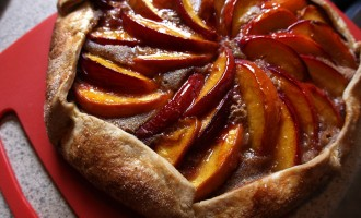 Peach brown butter almond galette recipe | Nomad with Cookies