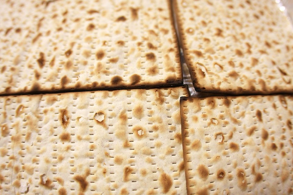 how to make matzo crackers