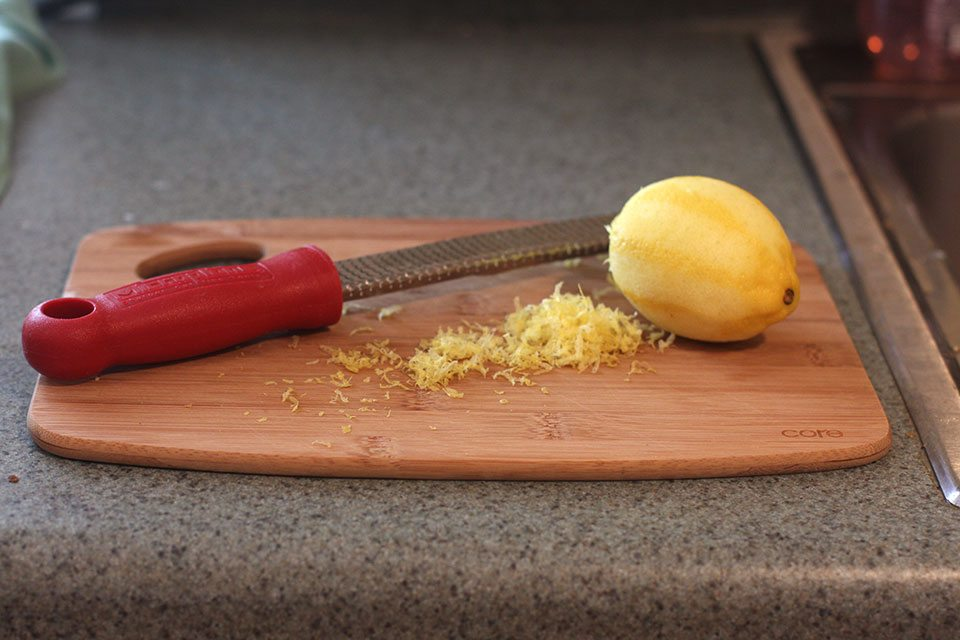 Zesting lemon for pancakes | Nomad with Cookies