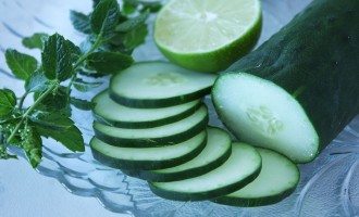 Cucumber, mint and lime for mojitos | Nomad with Cookies